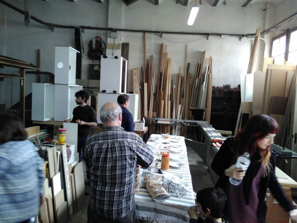 MaCUS members working in the carpentry