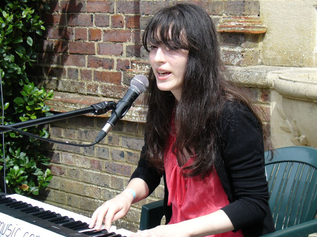 ;singer-songwriter Jewelia at Staycation Live 2014 / Keith Parkins